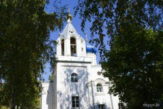 Пасхальная полунощница начнётся 27 апреля в 23:20. Пасхальная утреня и Божественная литургия — 28 апреля в 00:00. Адрес: г. Витебск, ул. Мицкевича, 5-а.