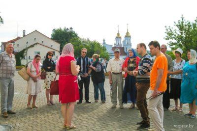 Состоялось пешее паломничество людей с ограниченными физическими возможностями по центральным храмам города Витебска