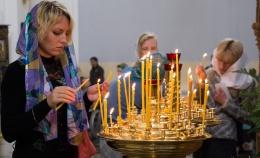 В день праздника Успения Пресвятой Богородицы состоялась Божественная литургия в Свято-Успенском кафедральном соборе Витебска и крестный ход по главным улицам города. Фоторепортаж