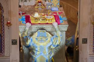 В праздник Благовещения Пресвятой Богородицы архиепископДимитрийсовершил литургию вБлаговещенском храме города Витебска. Фоторепортаж