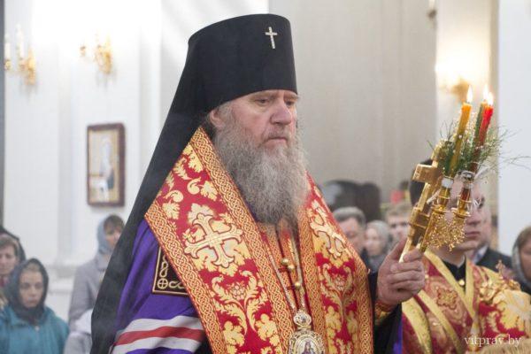 В Свято-Успенском кафедральном соборе состоялся соборный пасхальный молебен