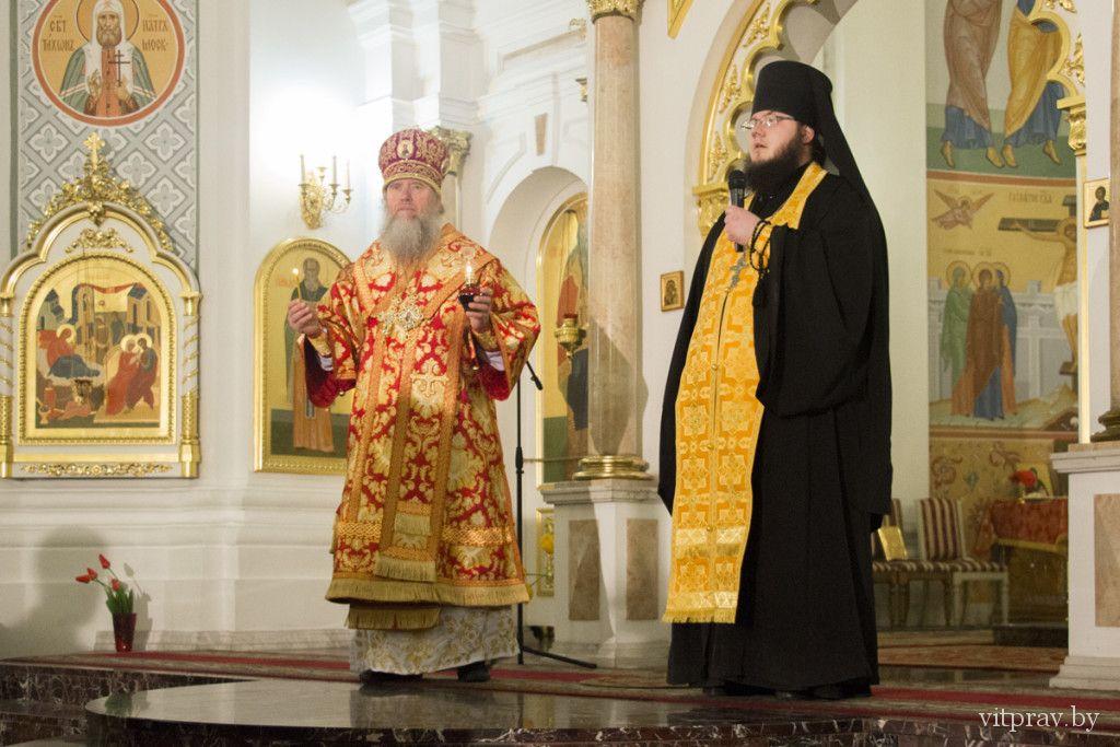 Архиепископ Димитрий возглавил торжественное Пасхальное богослужение в Свято-Успенском кафедральном соборе города Витебска