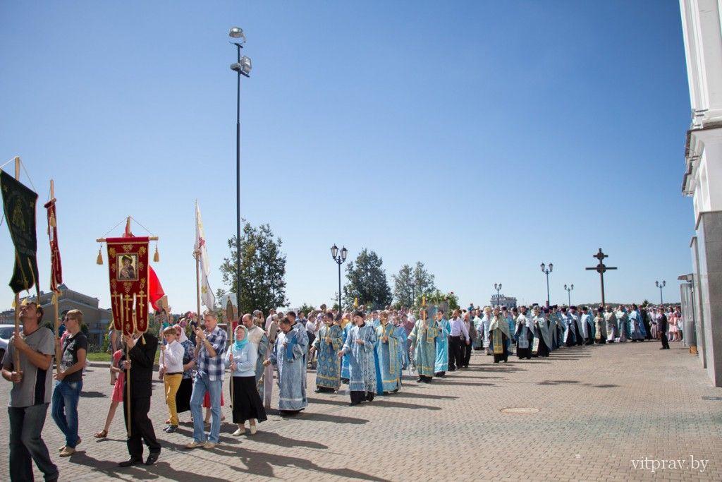 Архиепископ Витебский и Оршанский Димитрий возглавил праздничные богослужения в Свято-Успенском кафедральном соборе