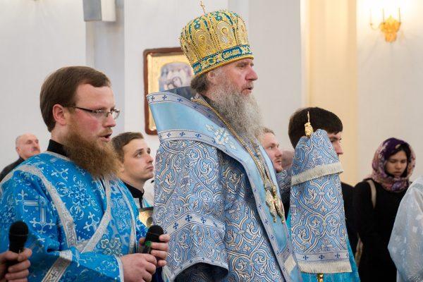 В неделю 14-ю по Пятидесятнице архиепископ Витебский и Оршанский возглавил Божественную литургию в Свято-Успенском кафедральном соборе города Витебска