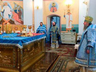 В праздник Рождества Пресвятой Богородицы архиепископ Витебский и Оршанский Димитрий совершил Божественную литургию в кафедральном соборе Успения Пресвятой Богородицы города Витебска.