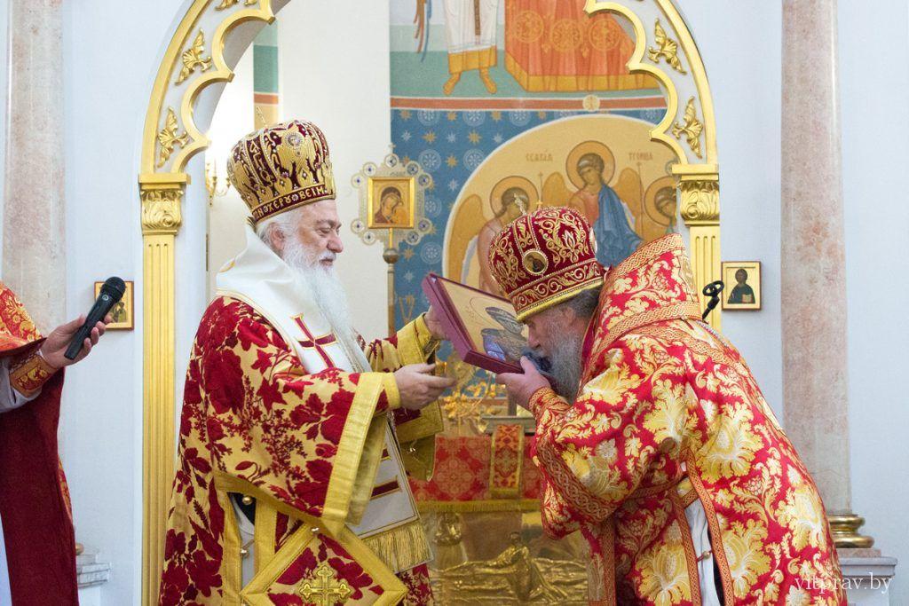 Духовенство Элладской Православной церкви приняло участие в Божественной литургии в Свято-Успенском кафедральном соборе города Витебска