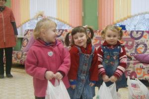 Прихожане храма Святой Живоначальной Троицы города Городка посетили социальные учреждения Городокского района