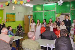 Воспитанники воскресной школы храма святого Георгия Победоносца посетили Вороновский дом-интернат для престарелых и инвалидов