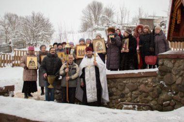Жители города Городка и Городокского района приняли участие в крещенских купаниях