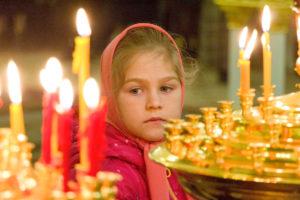 В Витебской епархии стартовал фотоконкурс «Дети в храме»