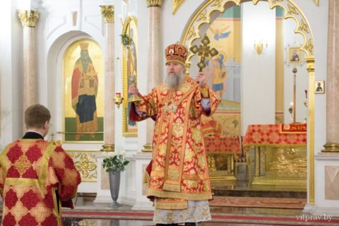 Пасхальное богослужение в Свято-Успенском кафедральном соборе. Фоторепортаж