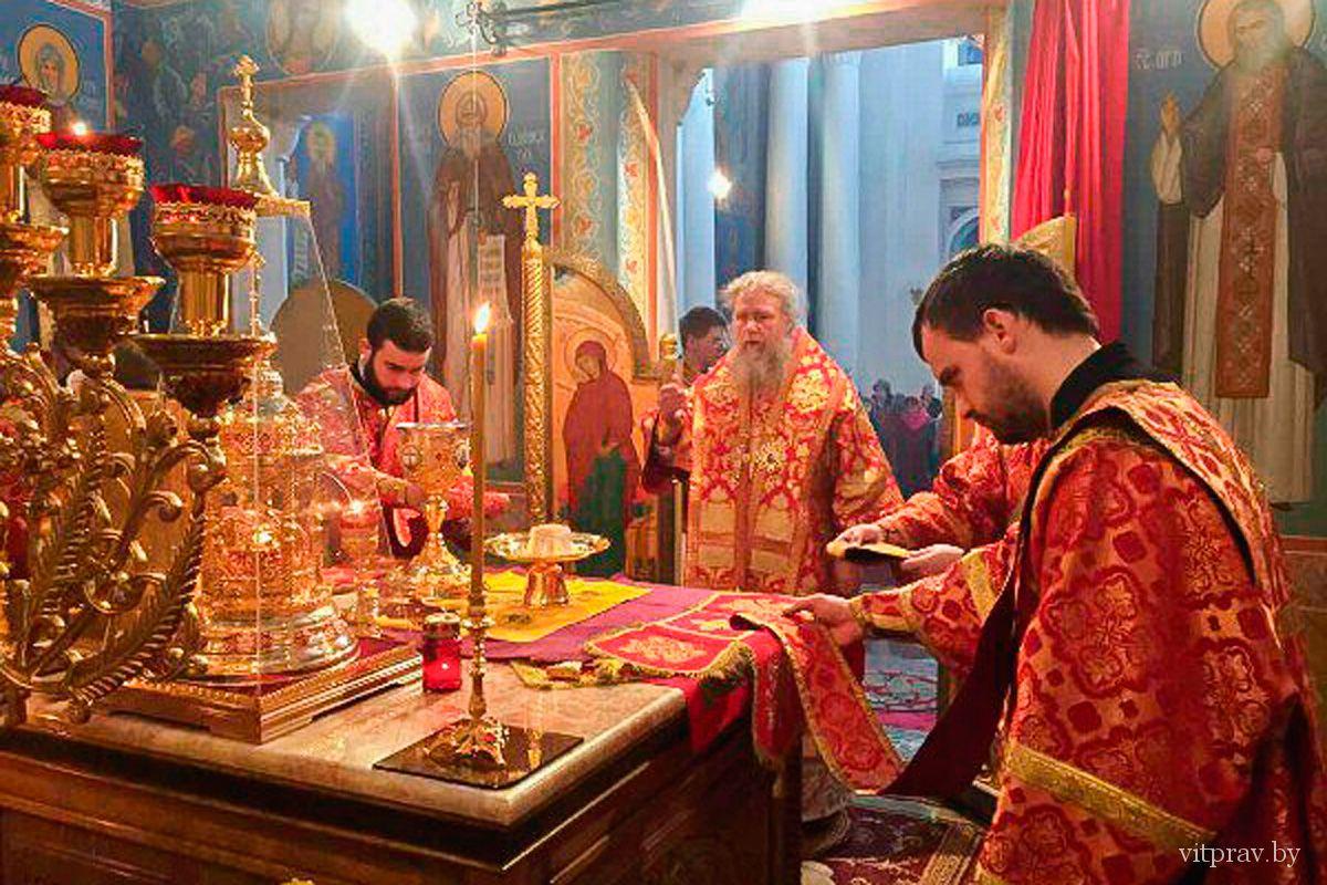 Архиепископ Димитрий возглавил престольные торжества в Свято-Воскресенском храме города Витебска