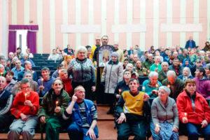 Члены братства и сестричества храма Святой Живоначальной Троицы города Городка посетили социальные учреждения Городокского района