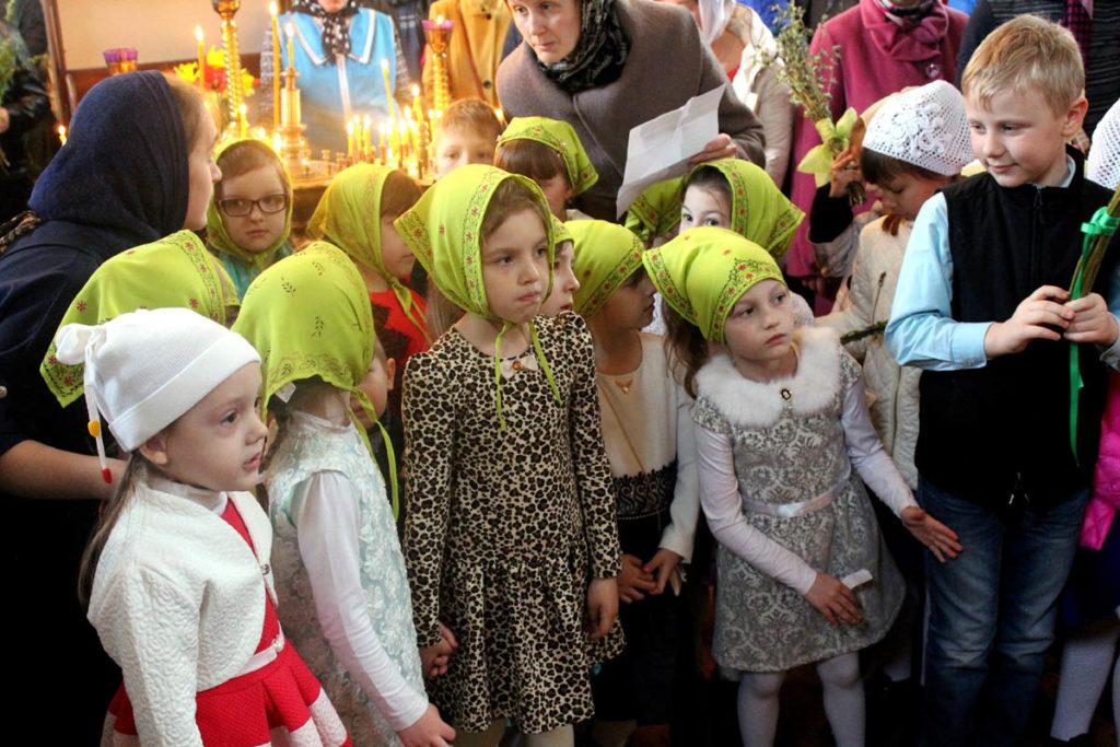 """Победитель в номинации """"Церковь и дети"""" – Диана Хвисюк, 14 лет, Иваново, Брестская область."""