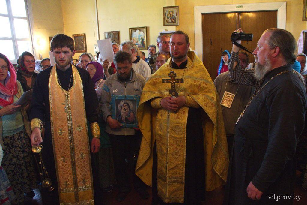 Крестный ход к 100-летию начала подвигов новомучеников Русской Православной Церкви вошёл в Витебскую епархию