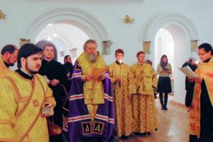 Архиепископ Димитрий совершил богослужение в храме святой блаженной Матроны Московской