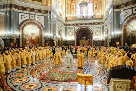 В день рождения Патриарха Московского и всея Руси Кирилла архиепископ Димитрий сослужил Предстоятелю Русской Церкви за Литургией