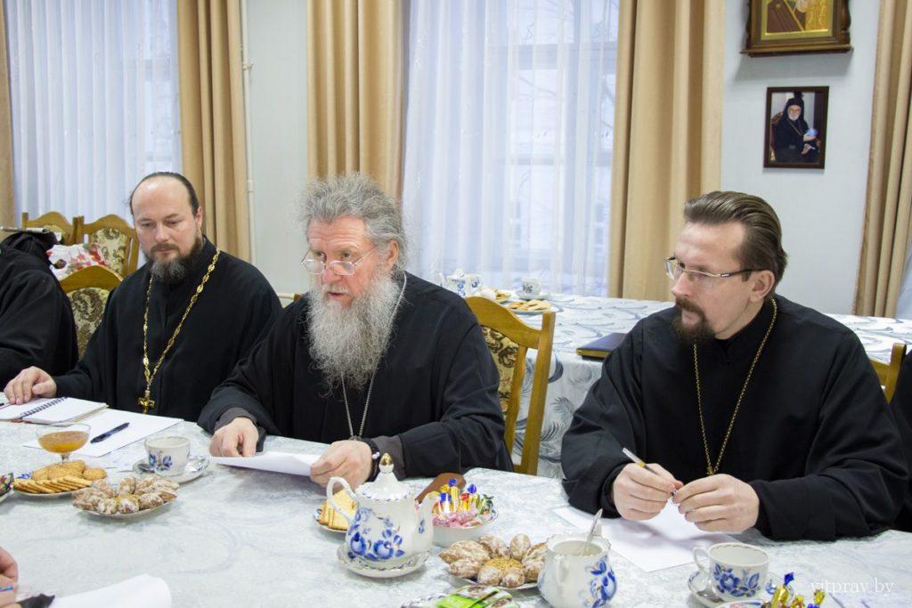 В преддверии Рождества архиепископ Димитрий провёл пресс-конференцию и отчётное епархиальное собрание