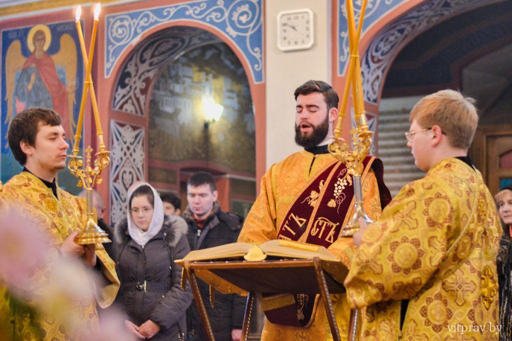 Архиепископ Димитрий совершил Божественную литургию в Свято-Покровском соборе Витебска