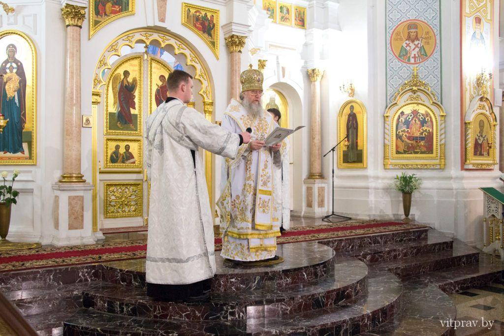 Архиепископ Димитрий совершил Рождественское богослужение в Успенском соборе