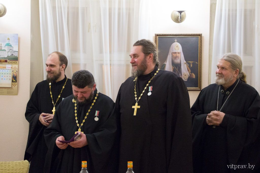 Архиепископ Димитрий наградил ряд клириков Витебской епархии медалями «Святой Владимир исповедник Витебский»