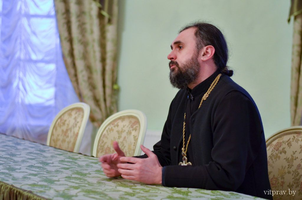 """Более пятидесяти человек посетили первое занятие очередного курса лекций """"Православие для начинающих"""""""