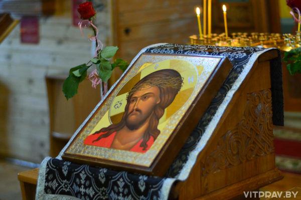 Литургия Преждеосвященных Даров в вечернее время. Фоторепортаж