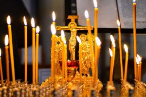 Богослужения в Неделю Крестопоклонную. Фоторепортаж