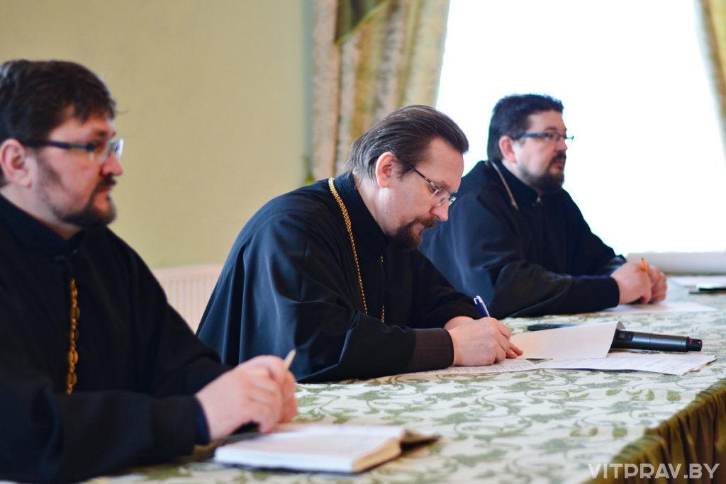 В Витебской духовной семинарии прошло собрание благочинных Витебской епархии и открытие выставки православной книги