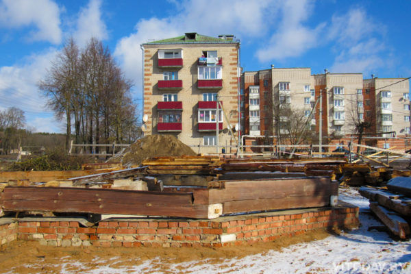 В Орше начались работы по строительству деревянного храма в честь Архистратига Михаила