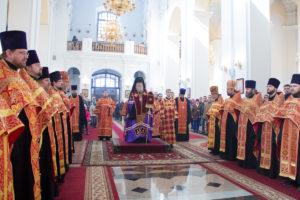 Соборный Пасхальный молебен в Свято-Успенском кафедральном соборе