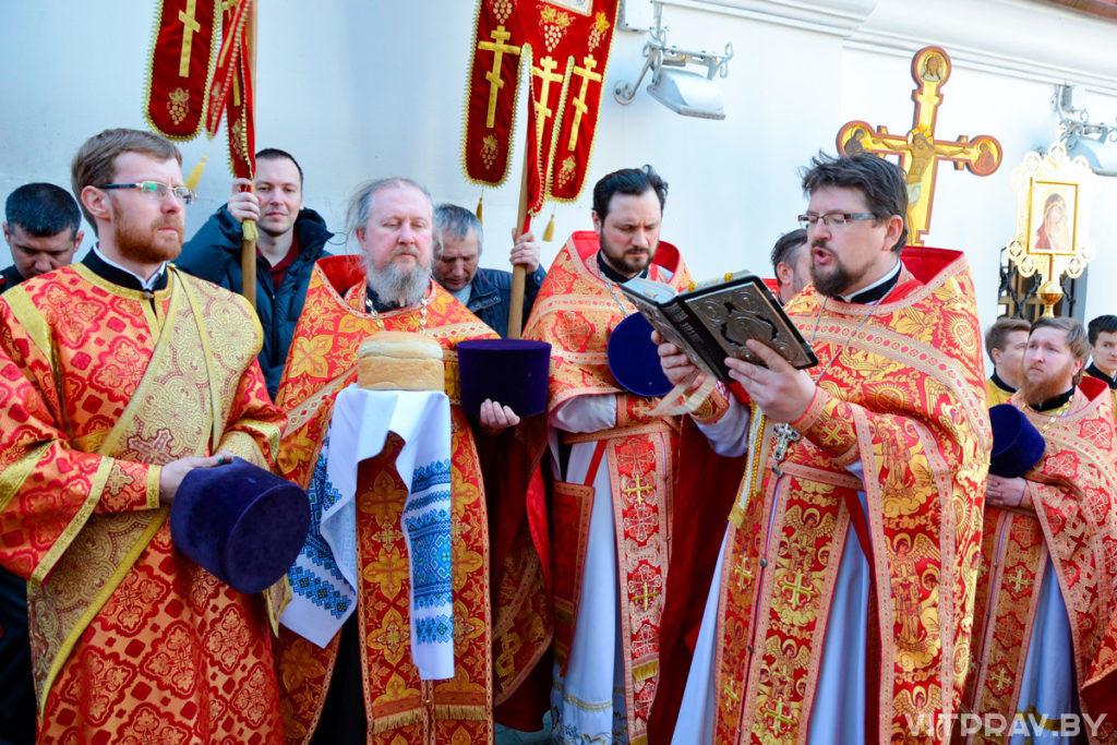 Архиепископ Димитрий совершил Божественную литургию в храме Воскресения Христова города Витебска