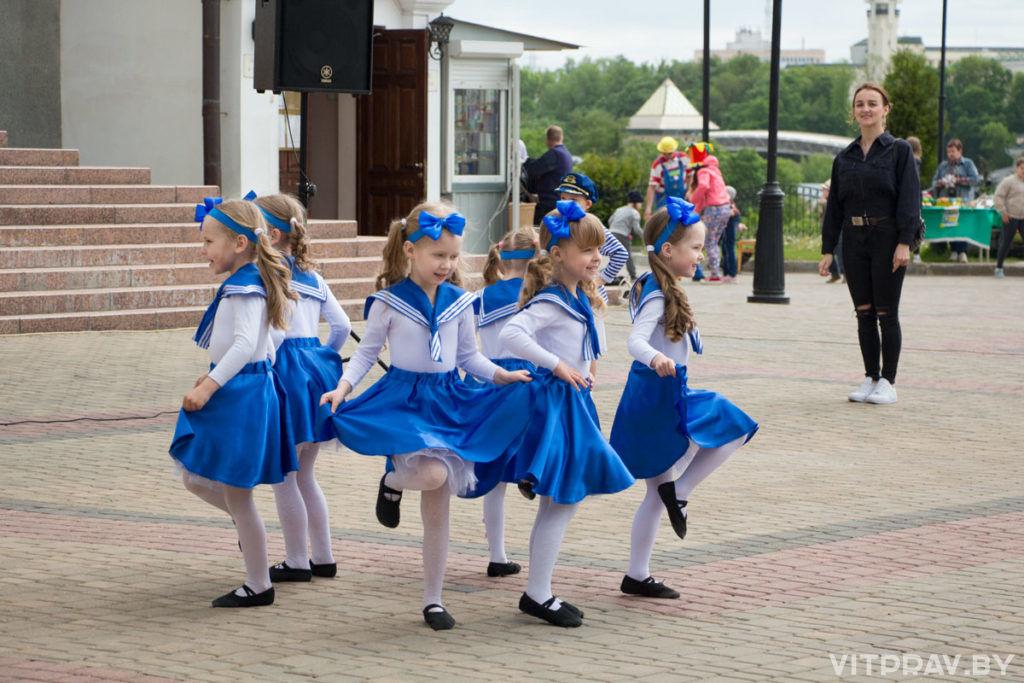 """В Витебске прошла 3-я благотворительная акция """"Белый цветок"""""""