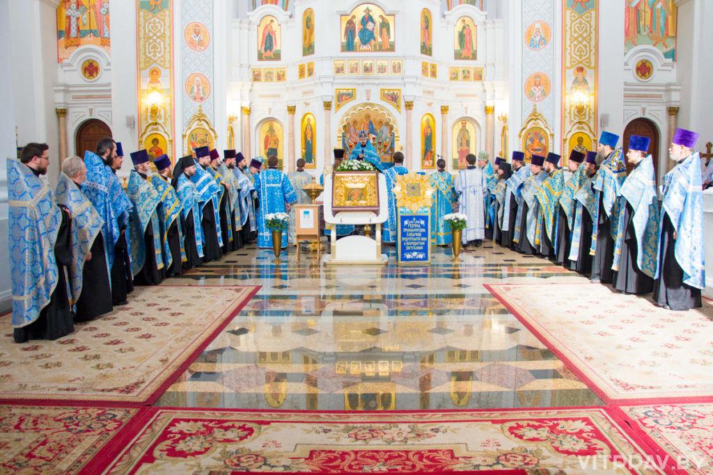 В Витебске встретили копиючудотворной иконы Божией Матери «Жировичская»