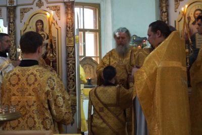 В пределе равноапостольной княгини Ольги храма святой великомученицы Ирины вПокровском города Москвы была совершена первая Божественная литургия