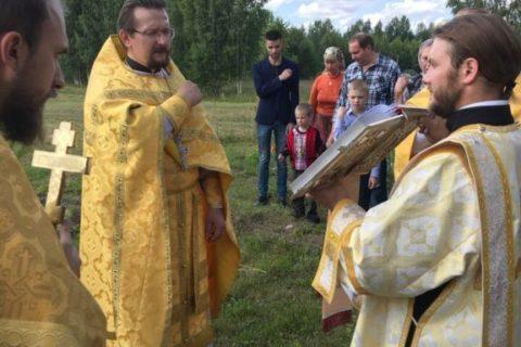 Резанович возглавил Литургию в деревне Село