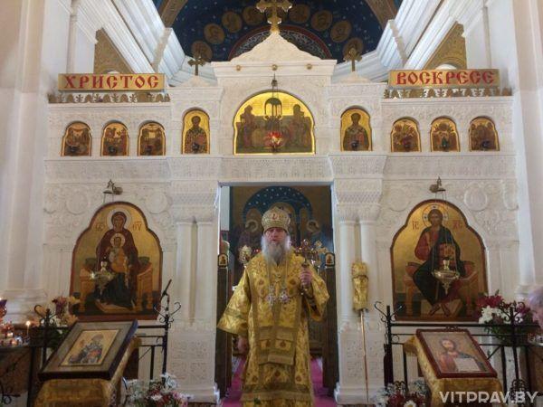 Архиепископ Димитрий возглавил Божественную литургию в Свято-Покровском соборе города Витебска