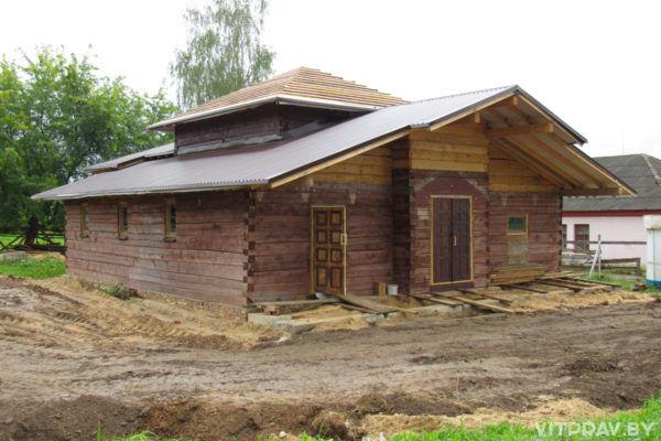 В Орше завершается возведение деревянного храма в честь Архистратига Михаила