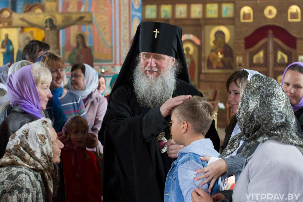 Архиепископ Димитрий освятил храм пророка Божия Илии в поселке Бешенковичи