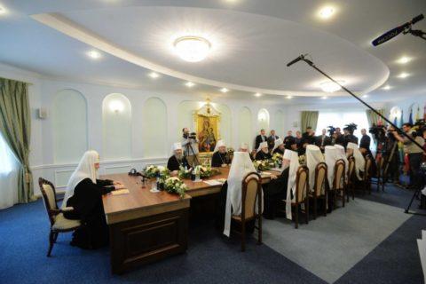 Священный Синод Русской Православной Церкви признал невозможным дальнейшее пребывание в евхаристическом общении с Константинопольским Патриархатом