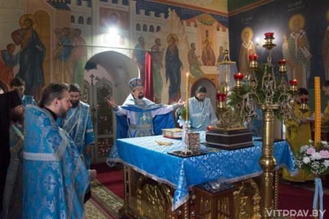 Богослужение в день памяти Казанской иконы Божией матери в одноимённом храме города Витебска