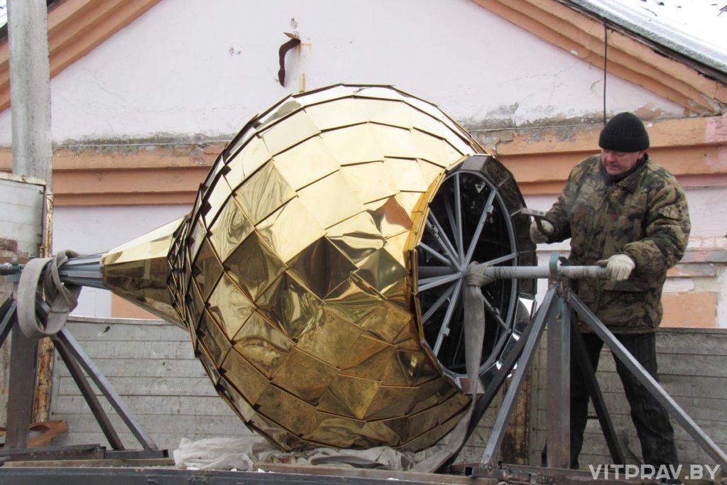 Храм Архистратига Божия Михаила в Орше увенчали куполом и крестом