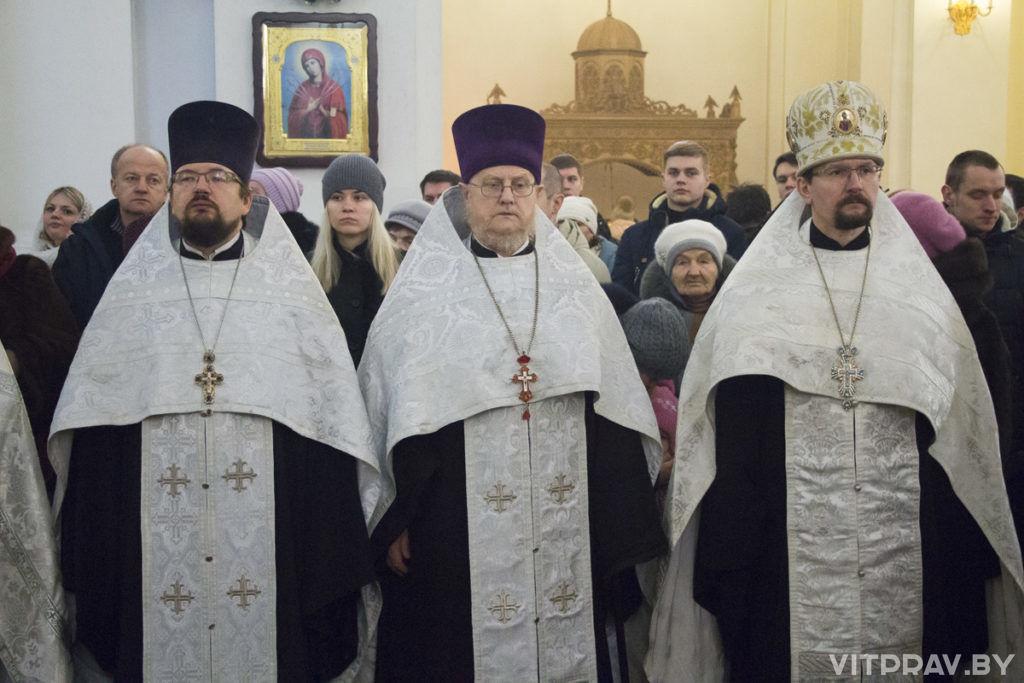 Соборный молебен в Свято-Успенском кафедральном соборе в день Рождества Христова