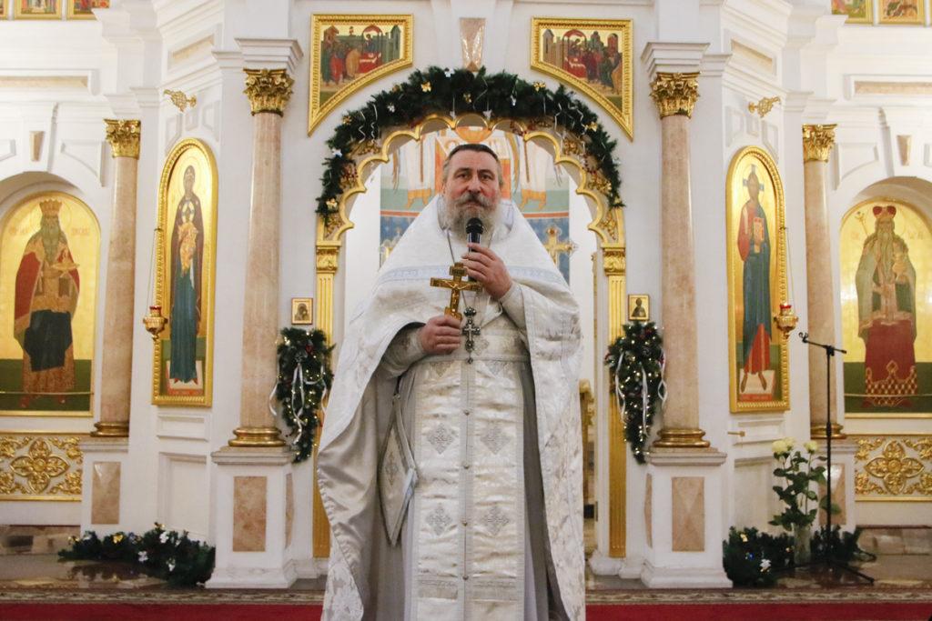 В праздник Богоявления архиепископ Димитрий совершил Божественную литургию в Свято-Успенском кафедральном соборе