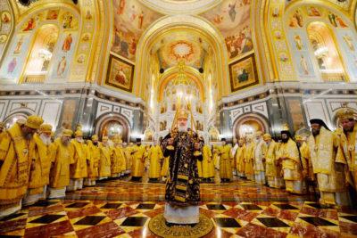 В 10-ю годовщину интронизации Святейшего Патриарха Кирилла архиепископ Димитрий принял участие в торжественной Божественной литургии в Храме Христа Спасителя