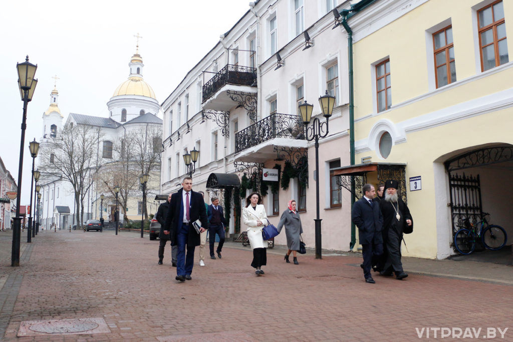 Посол России в Беларуси посетил Свято-Успенский собор Витебска и встретился с архиепископом Димитрием