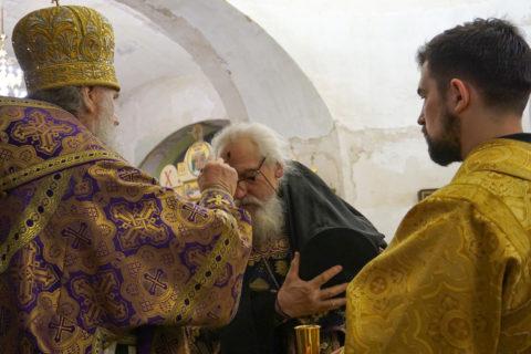 Архиепископ Димитрий возглавил всенощное бдение в храме святой великомученицы Ирины