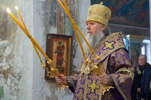 Архиепископ Димитрий возглавил Божественную литургию в храме святой великомученицы Ирины