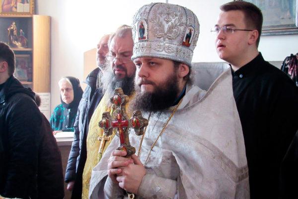 Во Вселенскую родительскую субботу архимандрит Сергий (Брич) возглавил Литургию в Свято-Троицком монастыре