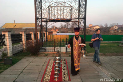 Возле центрального храма в Лиозно установили колокольню